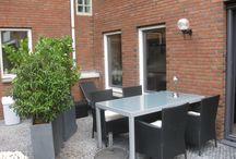 Huis - Appartement in Deventer te koop / Goed onderhouden, comfortabel en modern appartement in het centrum van Deventer maar op een rustige lokatie. 100m2. Zeer grote woonkamer, 2 slaapkamers, binnentuin en eigen garage. 215.000 Mail: annepennekamp@me.com