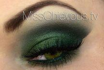 Makeup & Beauty / by Jodi Barnhart