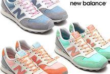 Sneakers & flats
