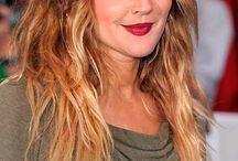 Saç Modelleri / Değişik türden saç modelleri ve en değişik saç önerilerini bu panoda bulabilirsiniz.