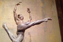 Escultura: Richard Macdonald. Sculptor. USA / Escultura en movimiento. Excelente trabajo con el bailarín Rudolf Nureyev. Exposición retrospectiva en Barcelona-2014.