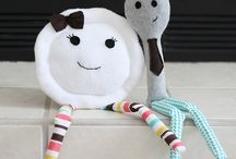 "Theme: The Dish Ran Away With The Spoon / Help me create a fun event with this line from a popular nursery rhyme, ""and the dish ran away with the spoon."" It could be a baby shower, wedding theme, nursery decor or even a kitchen theme. Let me know if you'd like to be a contributor by tweeting me @SocialScraps