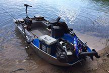 Small boat / Barque de pêche pontée