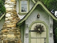 Cottage Chic / by Brianne Campbell