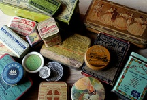 Boxes, cases, tins / Vintage and other pretty boxes, old suitcases and metal tins