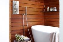 Bathrooms / by Cristina Enriquez