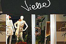 Vielle / Vielle è un negozio multi-brand nato negli anni '80 dalla passione per la moda di due giovani donne, nonchè sorelle. Quando le esigenze di mercato lo hanno consentito hanno lanciato un marchio di abbigliamento e accessori dal look trendy, sexy e grintoso. Via Romana, 396 Lucca