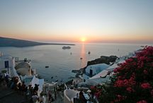 Santorini, a gorgeous destination / Santorini. Cosmopolitan atmosphere, unique sunsets, mystical aura, lovely beaches, crystal waters. Just gorgeous island in the center of Aegean.