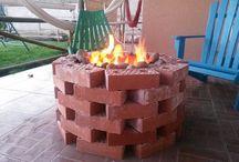patio trasero / Ladrillo Princesa, sellante sika, arena fina, bolones y lata con pintura de alta temperatura