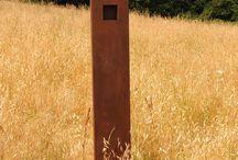 radiatore_STELE / Il radiatore artigianale STELE, dal design esile e slanciato, ha una base che può essere anche di soli venti centimetri