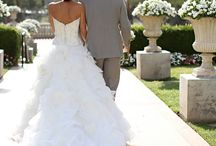 Wedding Dresses / by Catherine Campbell