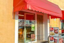 Foto di Esterno / Foto esterno del negozio. Seduto, cibo, cuochi, Yumms foto.
