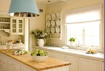 Kitchens / by Leife Shallcross