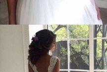 Esküvői ruhák és kiegészítők