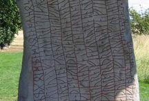 Runas / Dedicado a las muestras que perviven de escritura rúnica.