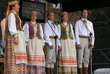 Kansallispukuja Liettuasta