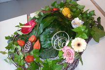 mijn gemaakte bloemwerk / bloemwerk zoals boeketen bloemstukken grafwerk enzovoorts  die ik gemaakt heb tijdens mijn stage en school periodes