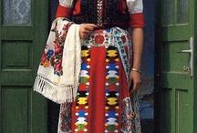 Costum național românesc