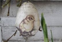decopaged eggs