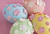 Easter Decor / This holiday is filled with colorful eggs in and lots of bunnies.