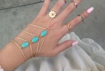 Stunning Jewelry Ideas / by Alisha Gibson