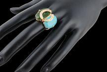 Anel Cartier folheado a ouro, com pedra naturais e zirconia♥