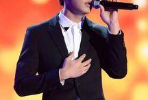 Aaron Yan and microphone