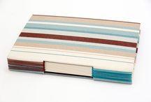 Encadernação Rotativa / A Rotativa Encadernação e Design produz cadernos, caixa, cartonagens artesanal e com diferentes tipos de costura Elequitra.wix.com/rotativa