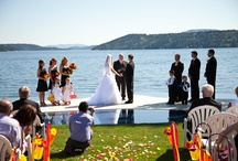 Weddings / Let us help you create that magical day you've always dreamed of. Imagine exchanging your vows surrounded by Lake Coeur d'Alene aboard one of our cruise boats …overlooking the world famous Floating Golf Green …or in our spacious Bay Rooms.