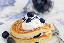 Sweeties: Pancakes, Doughnuts, Waffles / Pancakes, Crêpes, galette de sarrasin, Doughnuts, beignet, Berliner, Waffles, smultringer and other