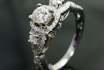 Vintage Collection / The most dazzling vingtage engagement ring styles