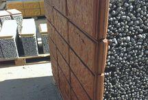 Дома из блоков / Производим и поставляем керамзитобетонные блоки с фасадами и торцевой стенкой готовой под шпатлёвку. Расчёт количества и стоимости с доставкой. Обращаться по 89157887855@mail.ru