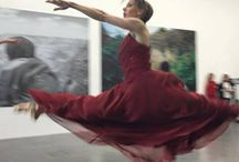 Dancing about Museums / Images of dancers and performers inside the exhibition halls of museums