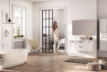 INGE - Stylistyka i Komfort. / Meble stworzone dla osób ceniących sobie styl skandynawski. Komfortowe w codziennym użytkowaniu i jeszcze bardziej stylowe. Głębokie szuflady z pełnym wysuwem i cichym samodomykiem z łatwości pomieszczą wszystkie przedmioty codziennego użytku.