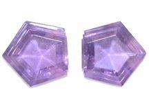 Purple gemstones & Inspiration / Gemstone, Fashion and Art inspiration in the classic colour Purple