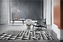 LINIE DESIGN - ekskluzywne dywany / Od jakiegoś już czasu dywany stopniowo wracają do wnętrzarskich łask i coraz śmielej poczynają sobie na salonach.