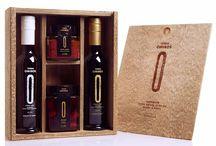 Terra Omiros / Pro každou vzácnou kapku jsou olivy ručně sbírané jedna po druhé. Pro zajištění nejvyššího standardu jsou vybrány jen ty nejlepší olivy, které jsou pak za studena lisované. Superior Extra Virgin Olivový olej je bohatý na dokonalá aromata, fenoly a antioxidanty. Má nízkou kyselost dosahující maximálně 0.2-0.3%.