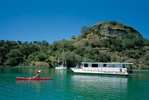 Whangaroa Houseboat Holidays / Enjoy a getaway on this unique Northland New Zealand holiday accommodation. It's a great family holiday, the ultimate romantic escape, weekend getaway, or fun with mates.