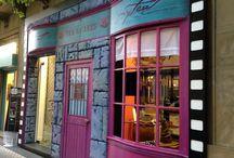 Una tienda de cine / Mytea el arte del té, cambia su fachada para evocar la teteria de madame Puddifot's, de la película Harry Potter y la Orden del Fénix, con ocasión del Festival de Cine de San Sebastián