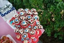 American USA Themed Kids Party / American USA Themed Kids Party, Mickey Mouse Cake, Party Bags, Cupcakes, Popcorn