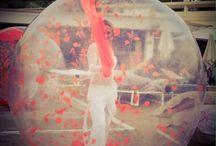 Artiste en bulle de déambulation #bulleartistique / #bulletransparente #bullededeambulation #artisteenbulle
