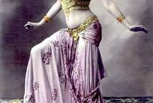 Bellypassion  / In Bellydance every move flows to the next...
