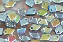 Korálky - Dragon Scale Czech Glass