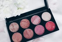 Makeup palettes / WHY DONT I HAVE ANY OF THESE