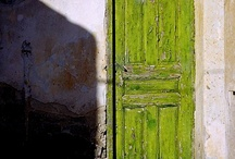 Beautiful traditional doors that Welcome You! / https://www.facebook.com/lifethinktravel
