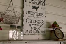 Farmhouse chic / Home decorating with a modern twist on the Farmhouse
