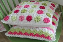 Almohadones y Puff a Crochet