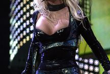 Britney Spears - The Onyx Hotel Tour
