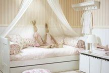 camera fetiță mica