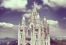 Amazing buildings / Amazing buildings and houses